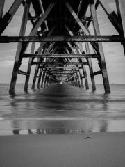 Steetly Pier 2 by Tony Marson